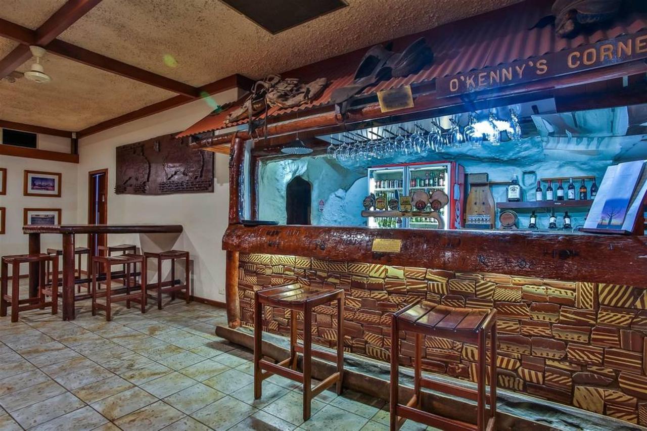zebra restaurant, hotel kununurra