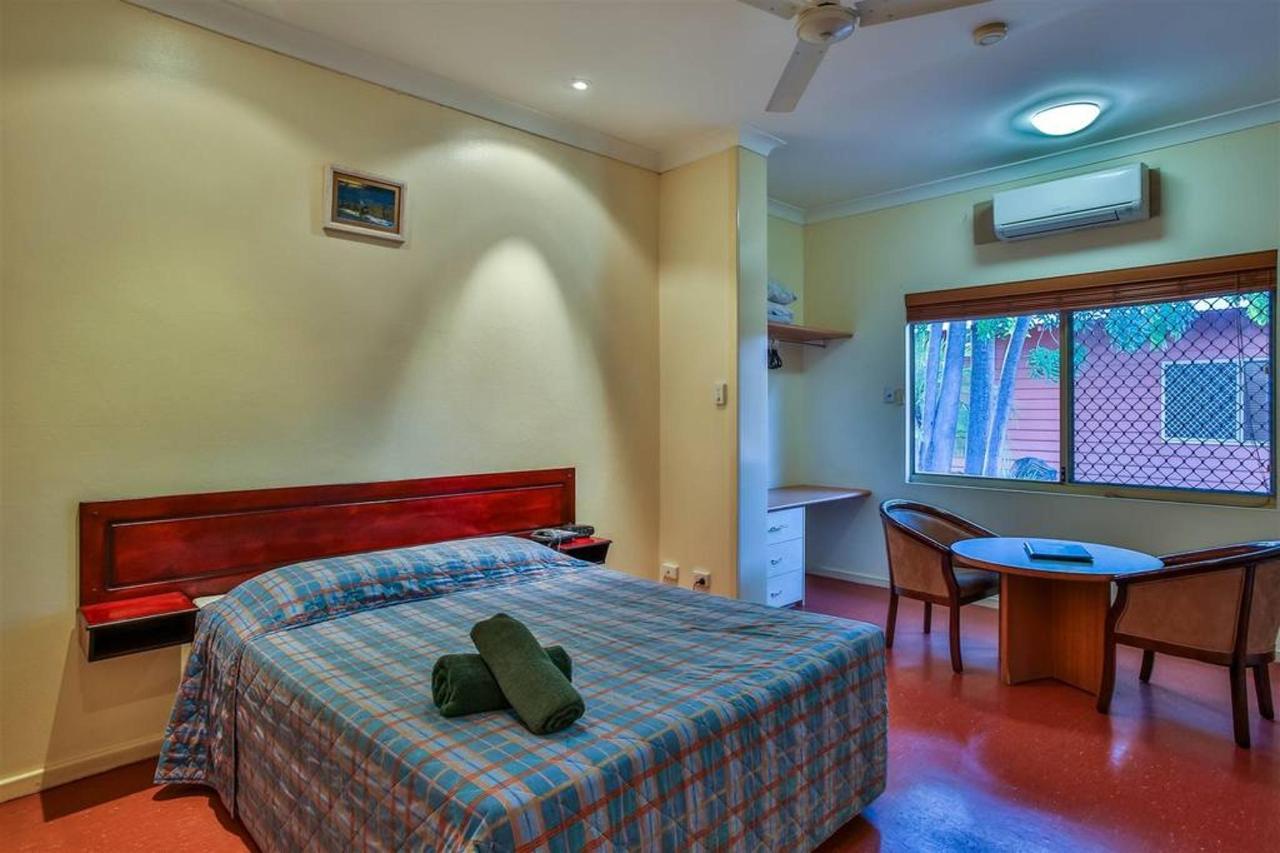 standard queen room, hotel kununurra
