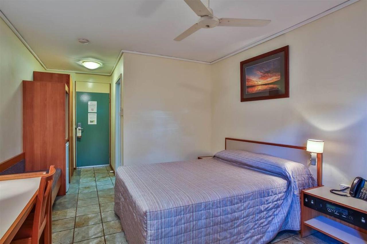 premium queen room, hotel kununurra