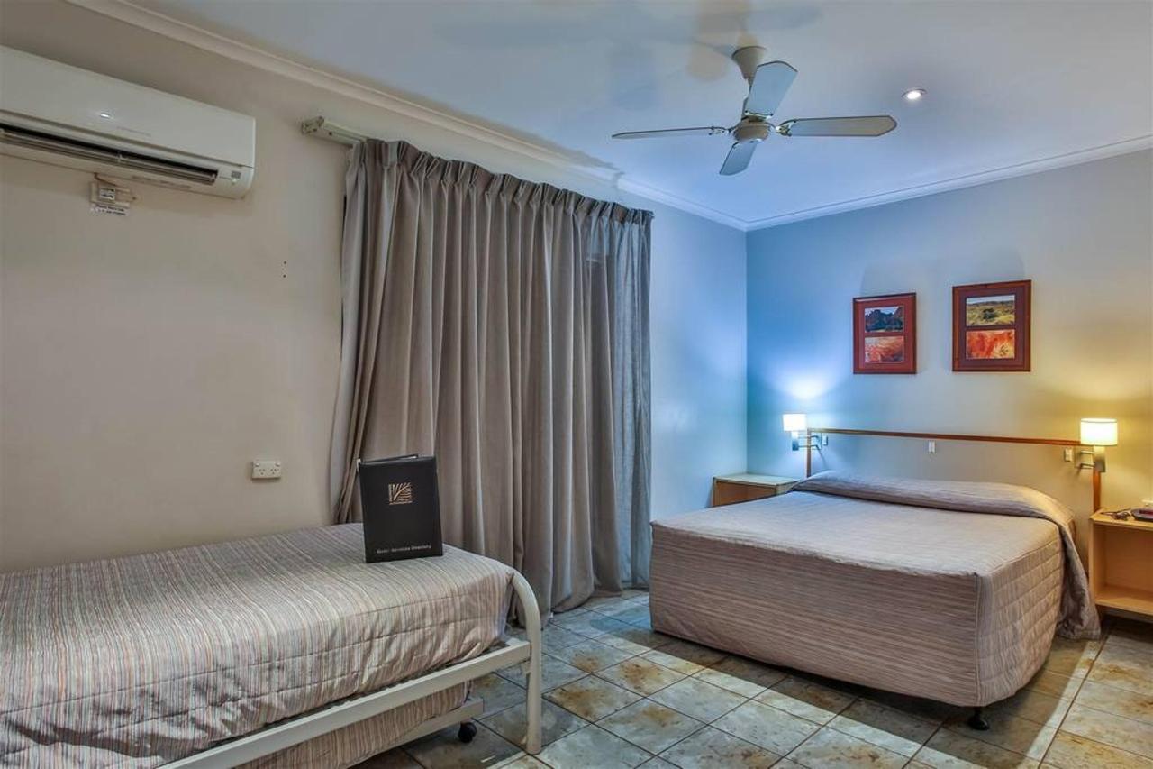standard room, hotel kununurra