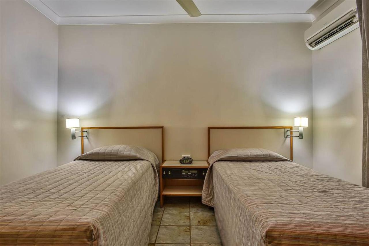 twin room, hotel kununurra