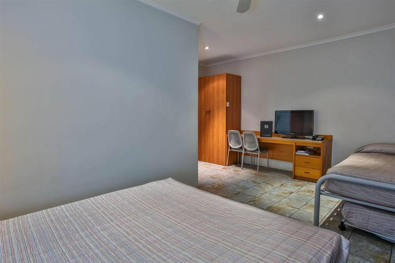 hotel kununurra, budget room